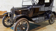 Ford_Model_T_1914